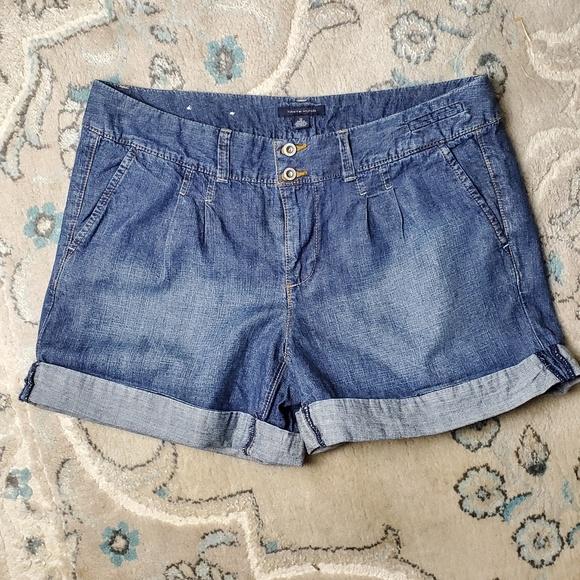 Tommy Hilfiger Pants - Retro Hilfiger Women's Denim Shorts || 12